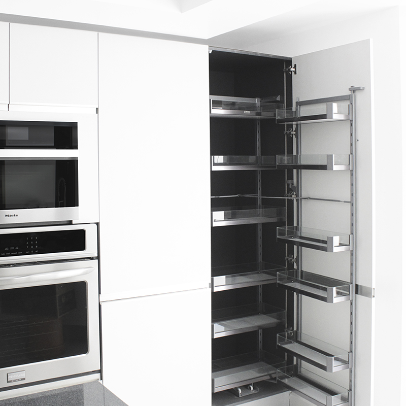 Puerta abatible para mobiliario de cocina, baños, clóset y vestidores tipo columna
